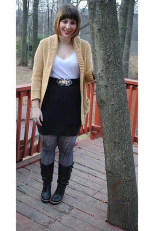 black engineer Frye boots - black textured tights - mustard long thrifted J Crew