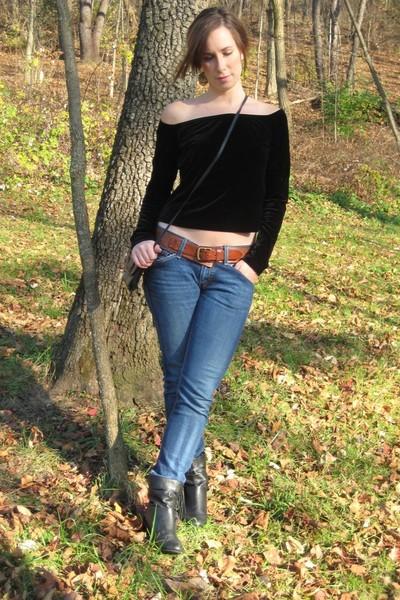 MIskabelle shirt - belt - jeans - boots