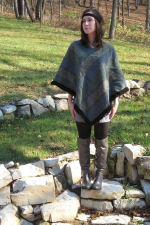 green top - gray dress - gray boots - black leggings