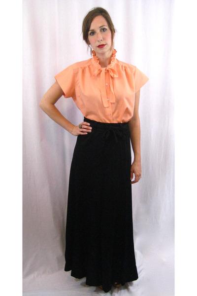orange MIskabelle blouse - black MIskabelle skirt