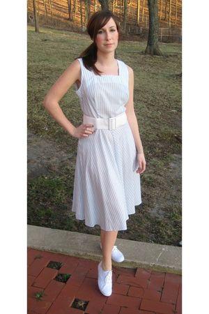 blue MIskabelle dress - white Keds shoes