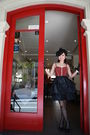 Red-cue-top-black-cue-skirt-black-toni-bianco-shoes-black-portmans-gloves-