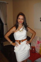 white one sleeve TCEC dress - gold chunky Express necklace - bronze gold detail