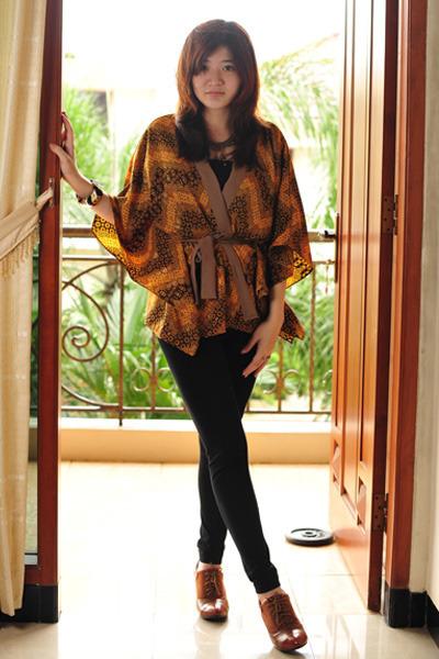 brown mondo boots - brown Autumn Skye cardigan - black Autumn Skye bracelet