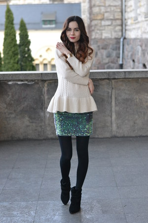 ivory peplum DressLink sweater - black Stradivarius wedges