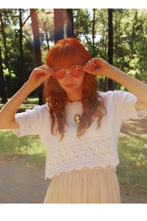 neutral H&M dress - white vintage sweater - bubble gum allegro sunglasses