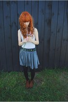 brown H&amp;M boots - off white cropp top - heather gray H&amp;M skirt - vintage belt