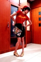 The Strokes concert t-shirt - Vintage leather skirt - vintage beaded bag - rando