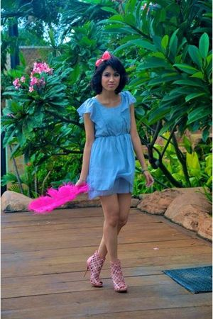 pink - gray iconia dress - pink GoJane shoes