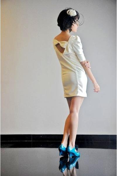 white putris - beige iconia dress - green randombrand shoes