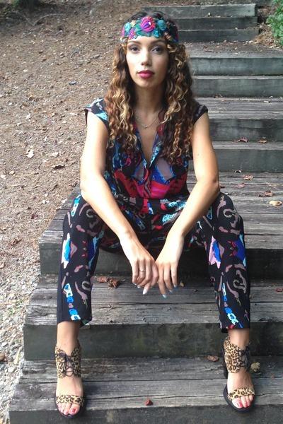 Monki blouse - Monki pants - ShoeCult sandals