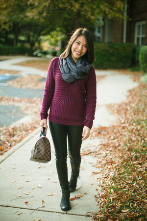 H&M scarf - Olive & Oak sweater - BLANKNYC leggings