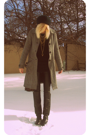 gray lux uo coat - black Forever 21 pants - black Nordstrom boots - Target shirt