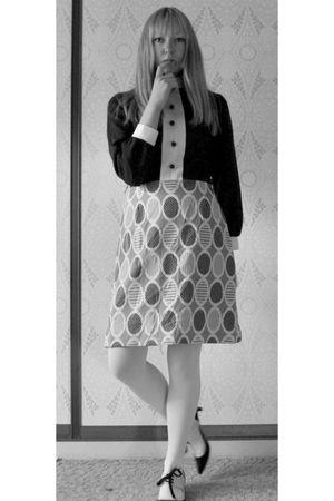 brown vintage dress - white Farmers tights - black dusk till dawn shoes