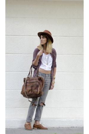 Levis jeans - H&M hat - Beacon Closet bag
