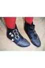 Black-forever-21-hat-blue-forenza-shorts-brown-belt-black-boots-red-nine
