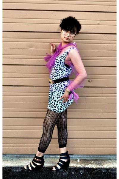 black wedge Forever 21 shoes - blue leopard print Forever 21 dress