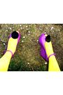 Yellow-hue-stockings-pink-shoes-white-thrifted-dress-black-hat-h-m-brace