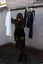 black Dr Martens boots - gray Zara leggings - army green H&M shirt - black vinta