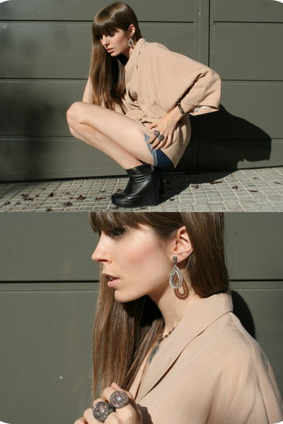 peach nude Zara blazer - black leather Jeffrey Campbell boots