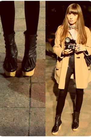 camel camel Mango coat - black unique Miriam Ponsa boots