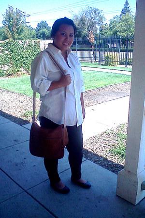tawny purse - black cotton leggings - white cotton comfy shirt