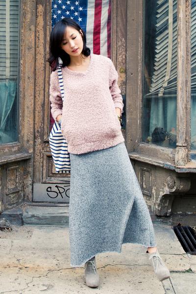heather gray misspouty skirt - light pink reversed back misspouty sweater