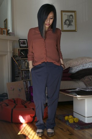 brick red thrifted blouse - navy pants - tawny leopard print Target flats