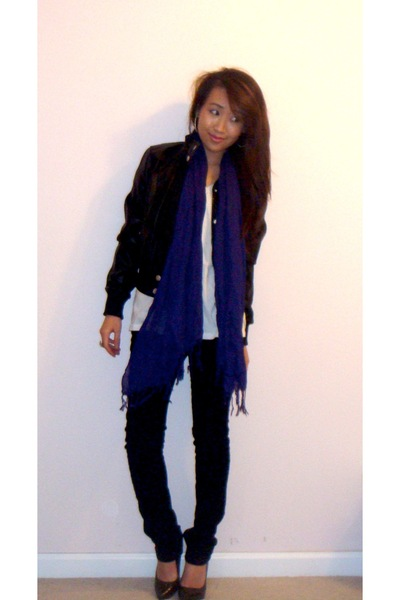 lulu jacket - Forever 21 shirt - Forever 21 jeans - Express scarf - Steve Madden