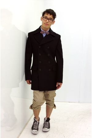 Ray Ban glasses - hare tie - Band of Outsiders shirt - hare pants - Givenchy jac