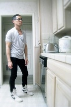 white tank Hanes - cowl neck tee bson - black skinny jeans whyred