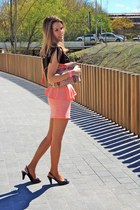 black Libe lulle shirt - Étnico Libe lulle bag - coral color Libe lulle skirt