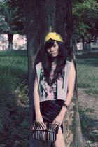 iconia top - Forever 21 hat - Lil Moo bracelet - Zara skirt