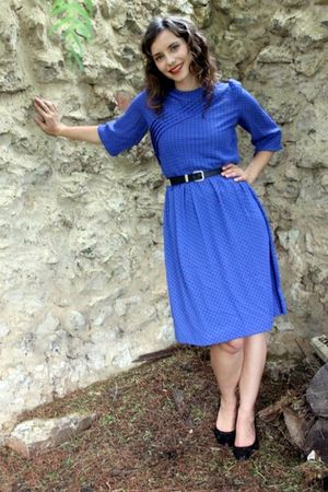 blue vintage dress - black thrift belt - black Wittner shoes
