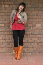 gold jacket - red t-shirt - black jeans - orange boots