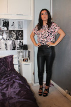 Miss Guided t-shirt - Topshop pants - new look necklace - new look heels