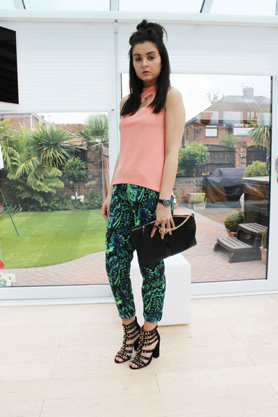 salmon warehouse top - black River Island bag - green Missguided pants