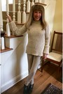 Black-tods-boots-taupe-joseph-sweater-taupe-joseph-pants
