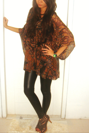 Zara top - Zara leggings - mitchybell shoes - Miss Selfridges bracelet