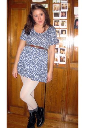 dress - belt - tights - boots