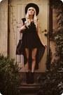 Black-boots-black-dress