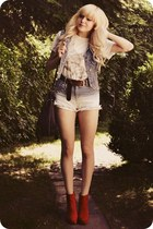 white t-shirt - ruby red boots - periwinkle shorts