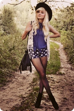 ivory vest - black boots - navy shorts