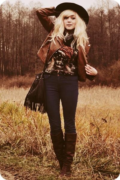 dark brown jacket - navy jeans - black t-shirt