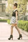 Black-boots-silver-metallic-black-skirt-off-white-necklace
