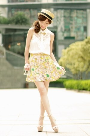 light yellow floral print ianywear skirt - beige boater hat