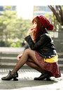 Black-cut-out-boots-persunmall-boots-maroon-beanie-hat