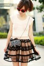 Black-bag-red-heart-shaped-sunglasses-light-pink-ianywear-skirt