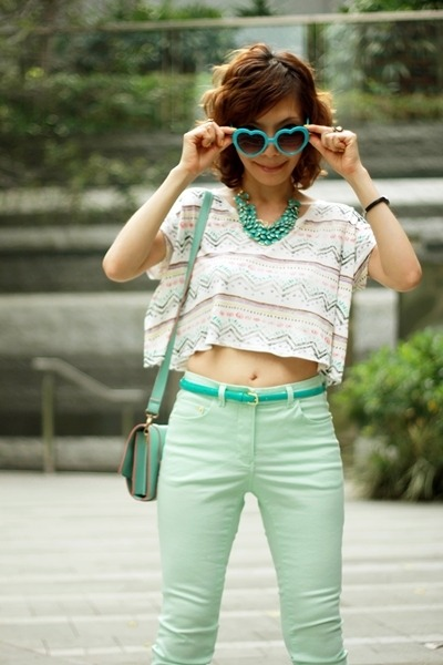 turquoise blue H&M necklace - aquamarine H&M jeans - aquamarine satchel bag