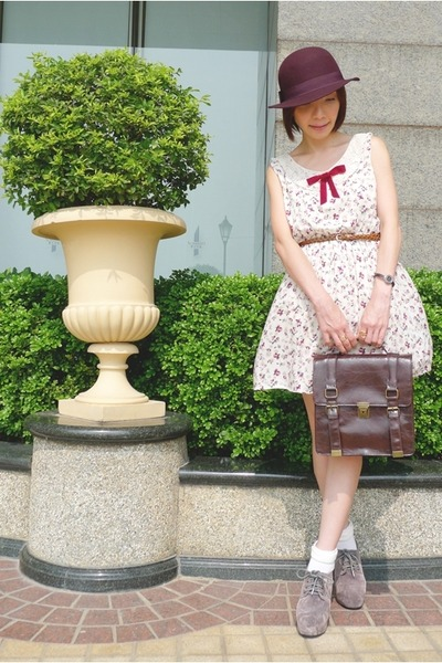 ivory dress - maroon Monki hat - dark brown bag
